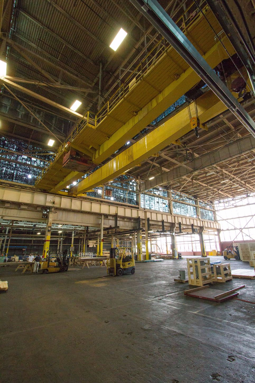 industrial-bay-lift-area-